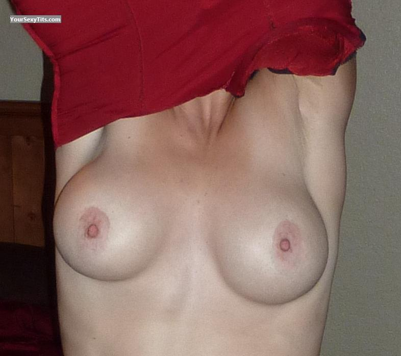 Tit Flash: Medium Tits - Jenny from United States